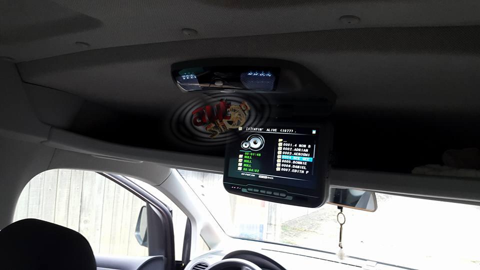 monitor plafon cu jocuri muzica filme dvd incorporat joystic telecomanda si cd jocuri caraudiomarket CRAIOVA